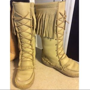 Canadian Shoes - Canadian Fringe Shearling Boots